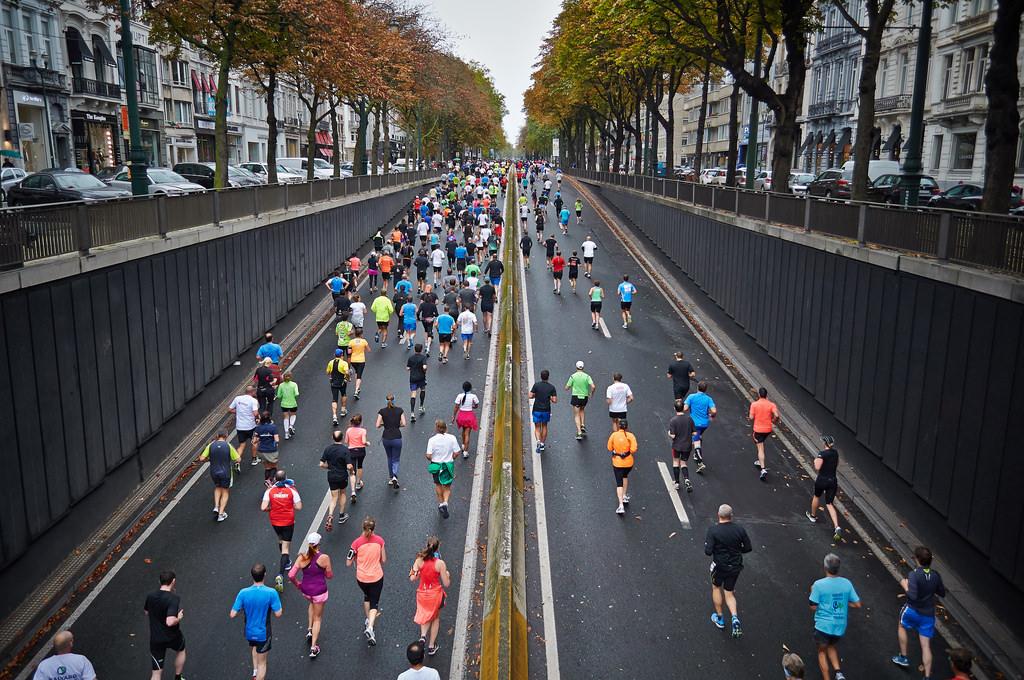 路跑年耗百萬件一次性塑膠 台北馬率先反思 邀「環保跑者」報名
